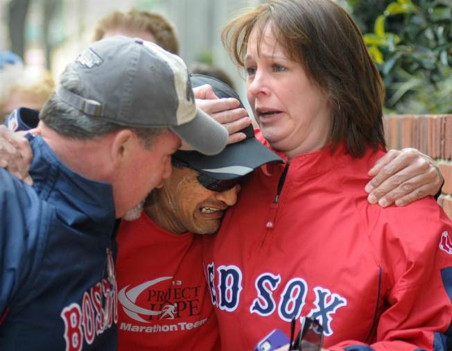 ss-130415-boston-bombing-hug-03.ss_full